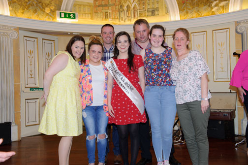 Monaghan Rose of Tralee, Maria Murnaghan, centre, at the Monaghan Arch Club Summer Party. In photo are (L-R) Laura Bell, Zoe Murnaghan, Ian Hall, Maria Murnaghan, Padraig Kelly, Katie Murnaghan and Elaine Russell. ©Rory Geary/The Northern Standard