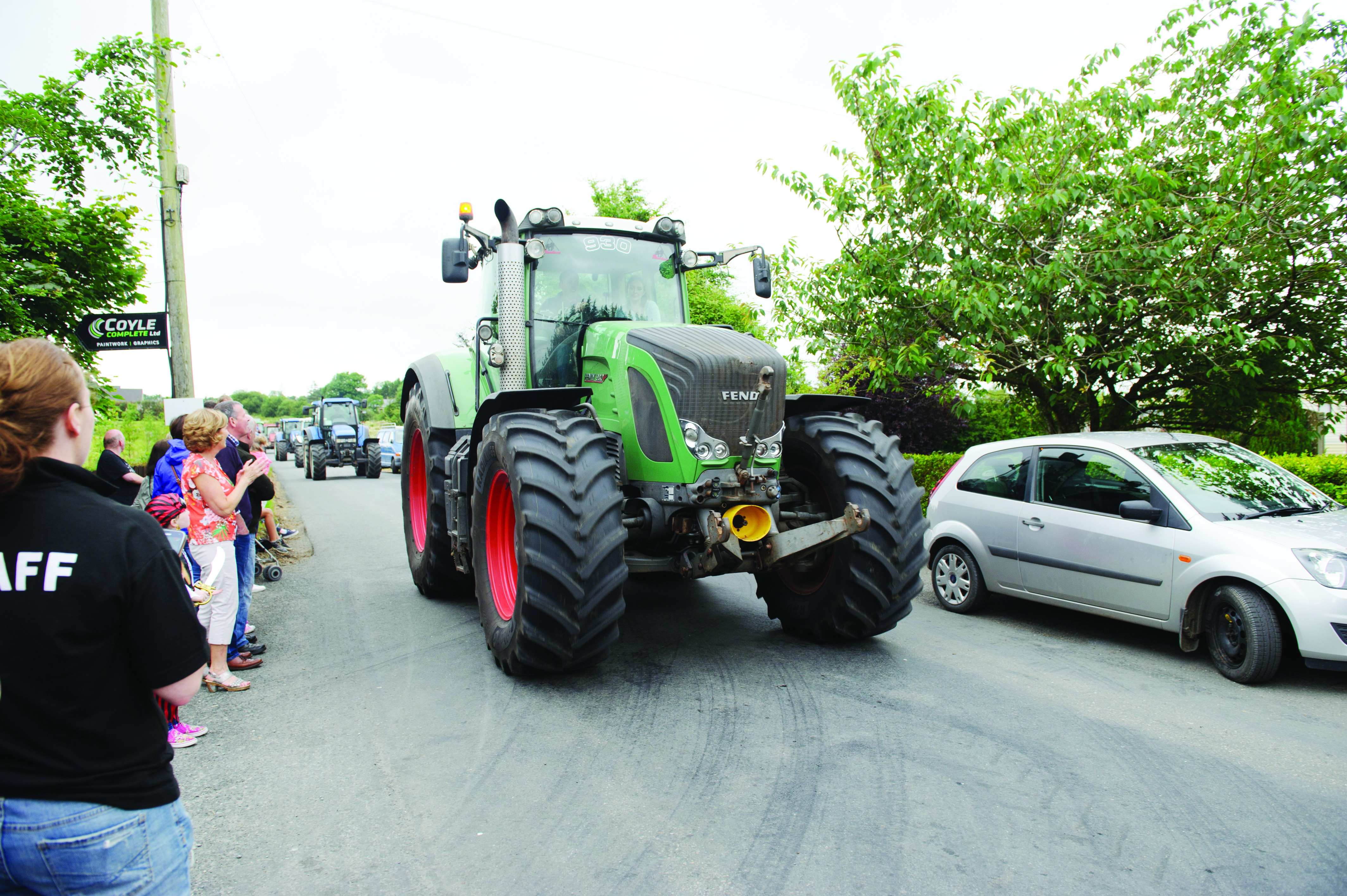 A Fendt tractor taking part in the tractor run at Carrickroe Welcome Home Festival. ©Rory Geary/The Northern Standard