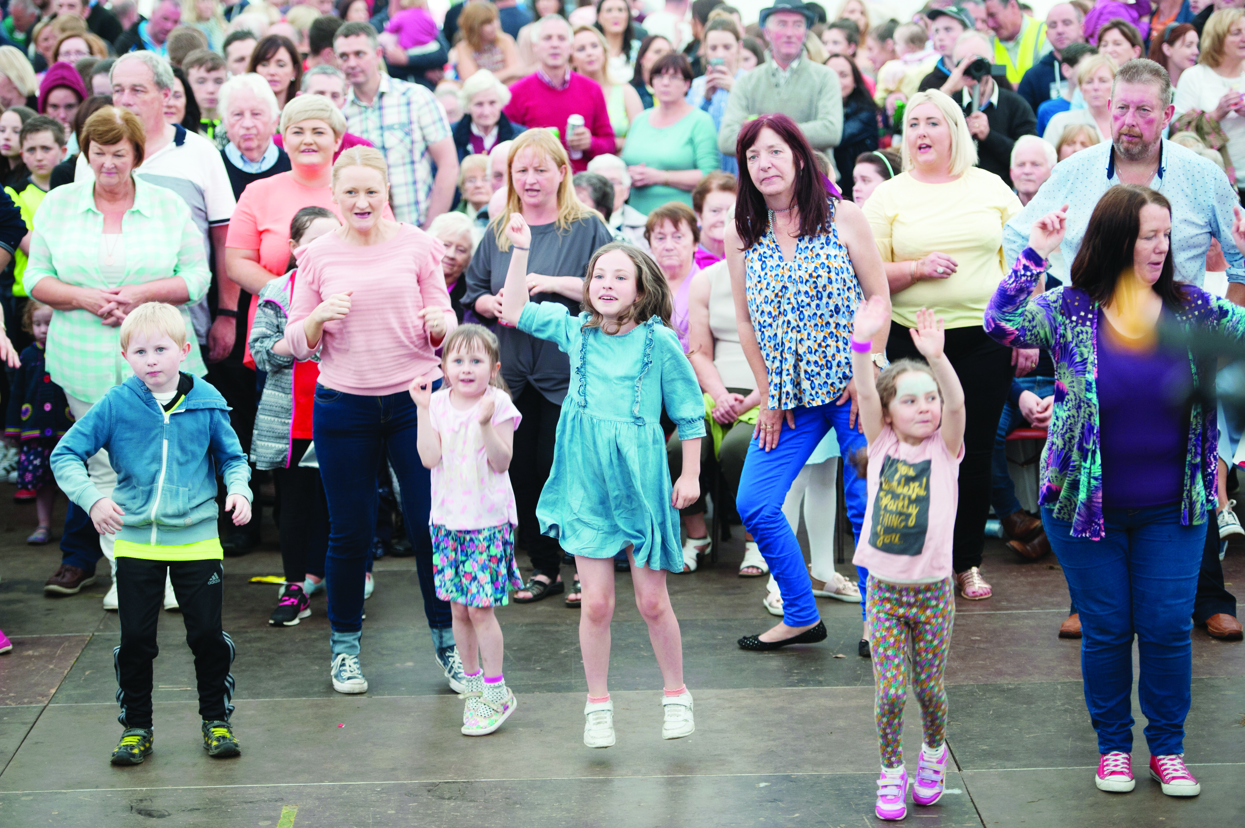 Some of the crowd dancing to Johnny Brady at the Carrickroe Welcome Home Festival. ©Rory Geary/The Northern Standard