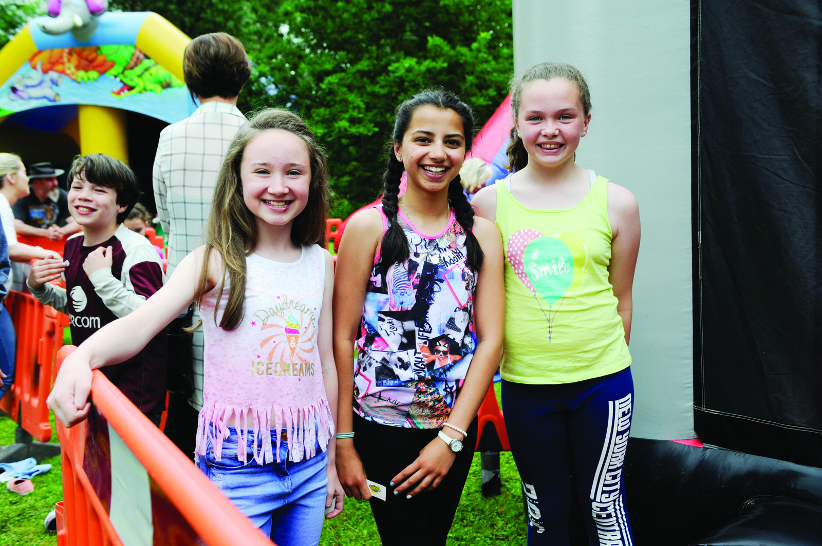 At the Clones Canal Festival were (L-R) Abbie McDonald, Nisha McKenna and Abigail Fitzpatrick. ©Rory Geary/The Northern Standard