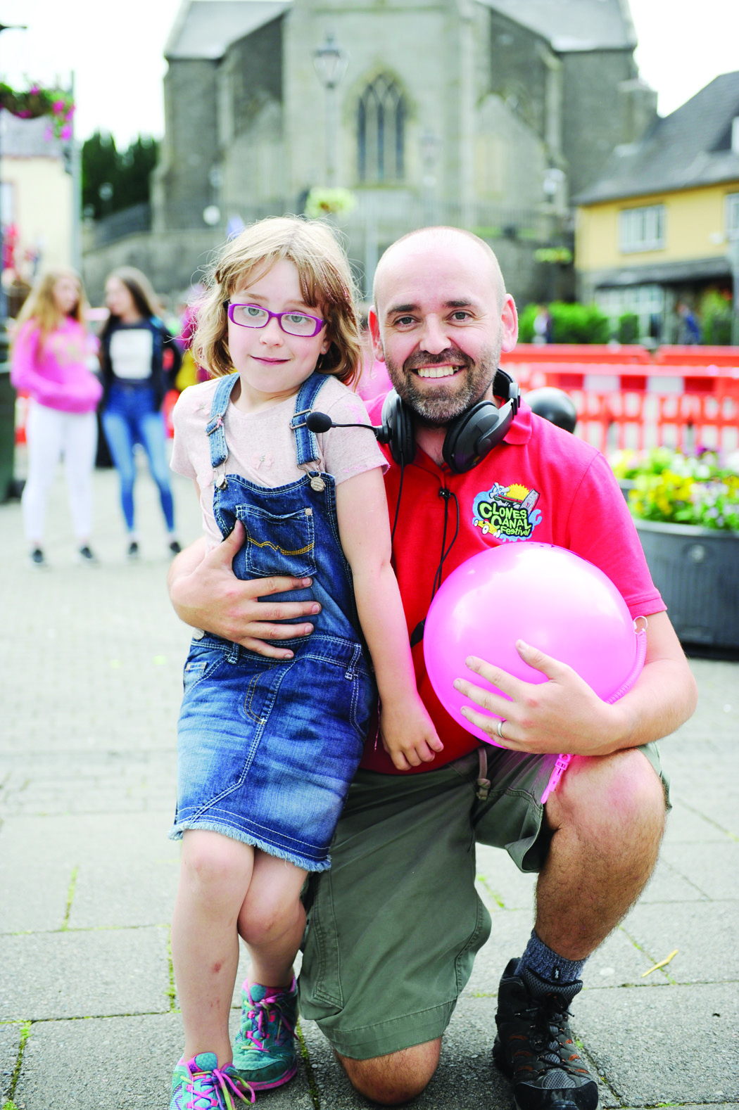 Emma Dunwoody who celebrated her 8th birthday at the Clones Canal Festival, with her father Finbarr. ©Rory Geary/The Northern Standard