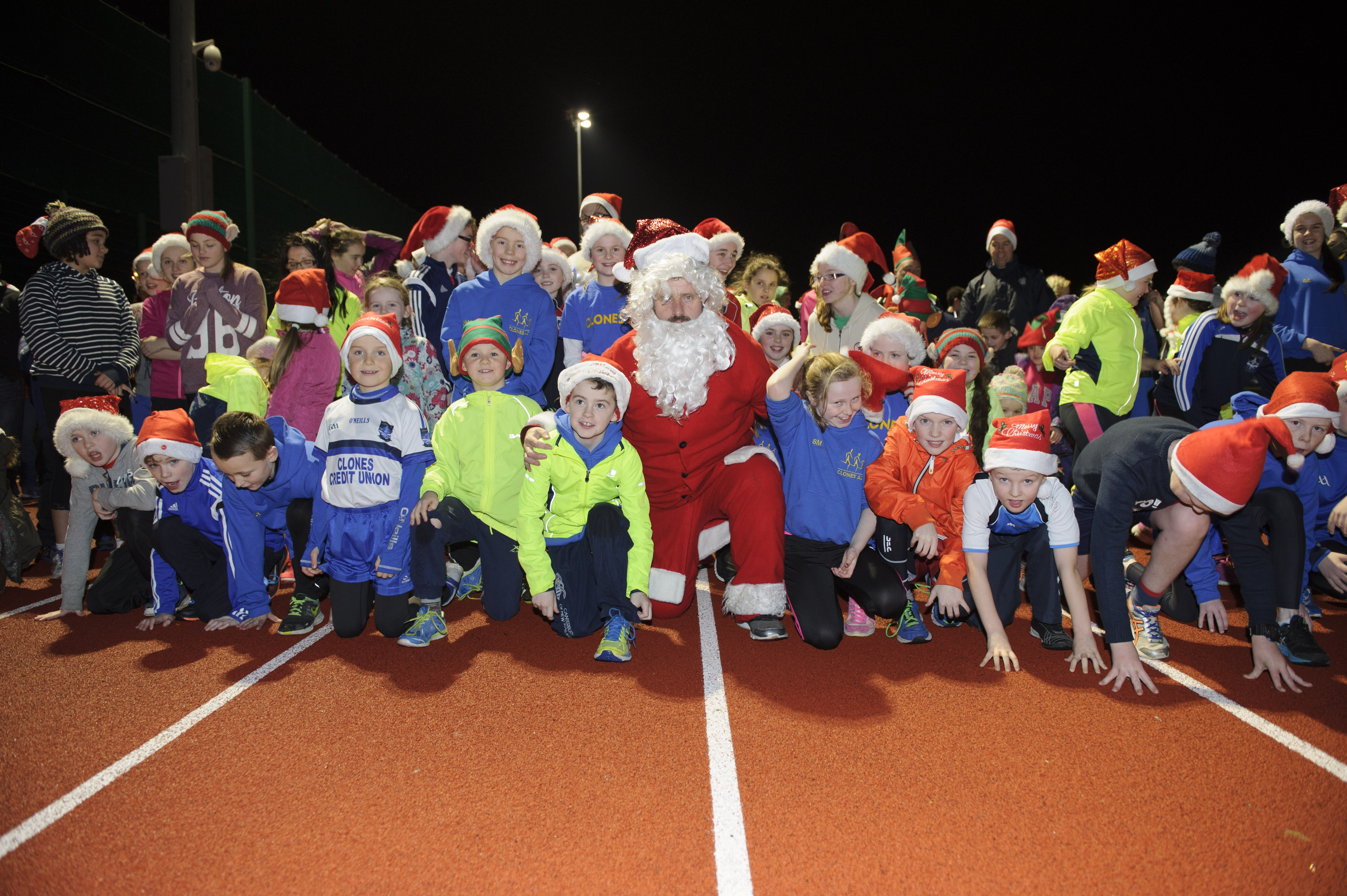 Santa with some of the group that took part in the Clones AC Santa Run at The Peacelink, in aid of Clones Friends of Hospice. ©Rory Geary/The Northern Standard