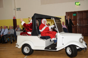 Santa arriving to the Clontibret Social Club Christmas Party in the Clontibret Community Centre. ©Rory Geary/The Northern Standard