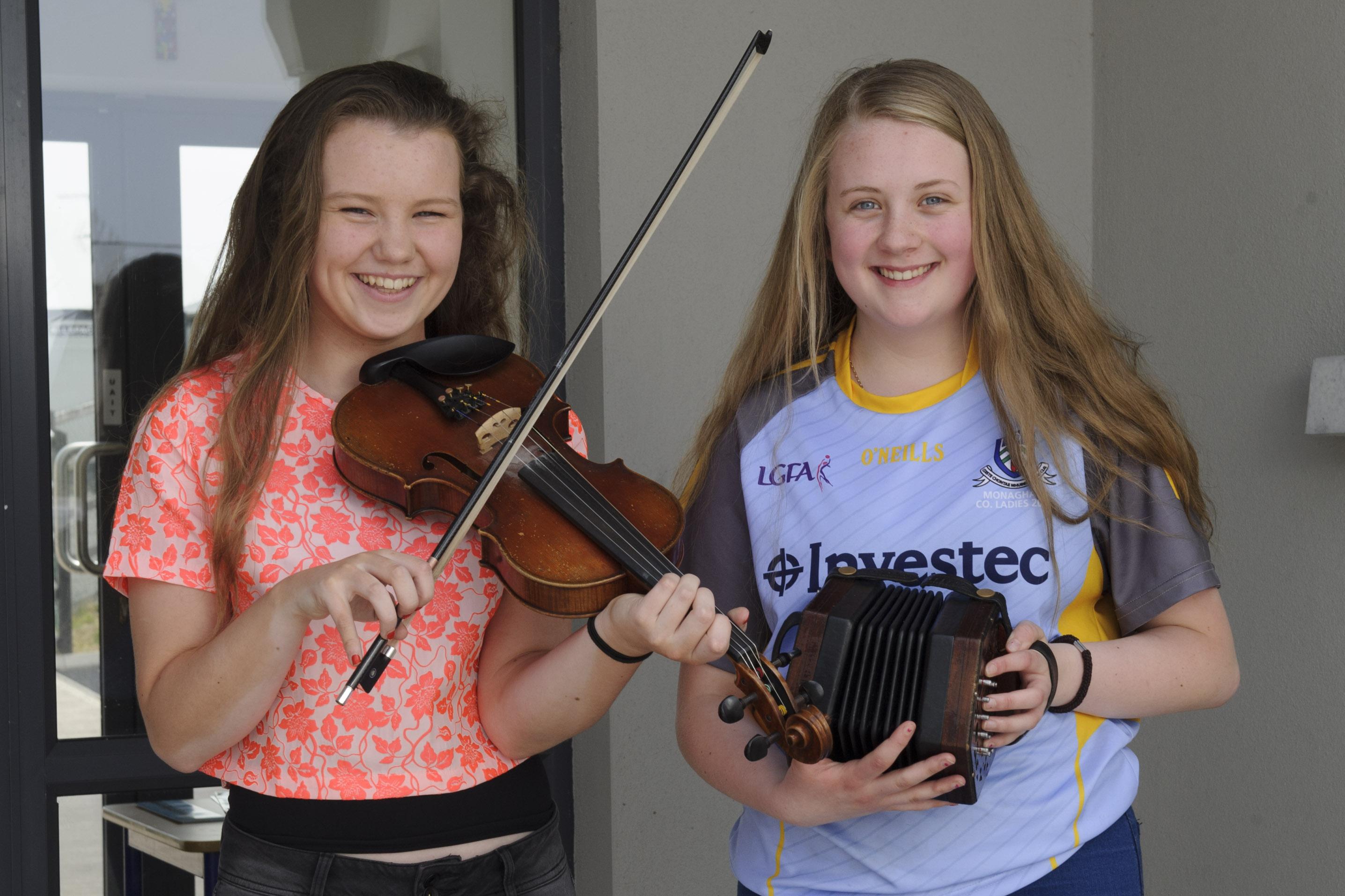 Aoibheann Treanor, left and Aisling Ní Ghallchóir, Baile Mhuineacháin CCE, who were winners of the U-15 Trio, along with Dearbhla Ní Ghallchóir. Aisling was 2nd in the U-15 Fiddle and Aoiobheann was winner of the U-15 Concertina. ©Rory Geary/The Northern Standard
