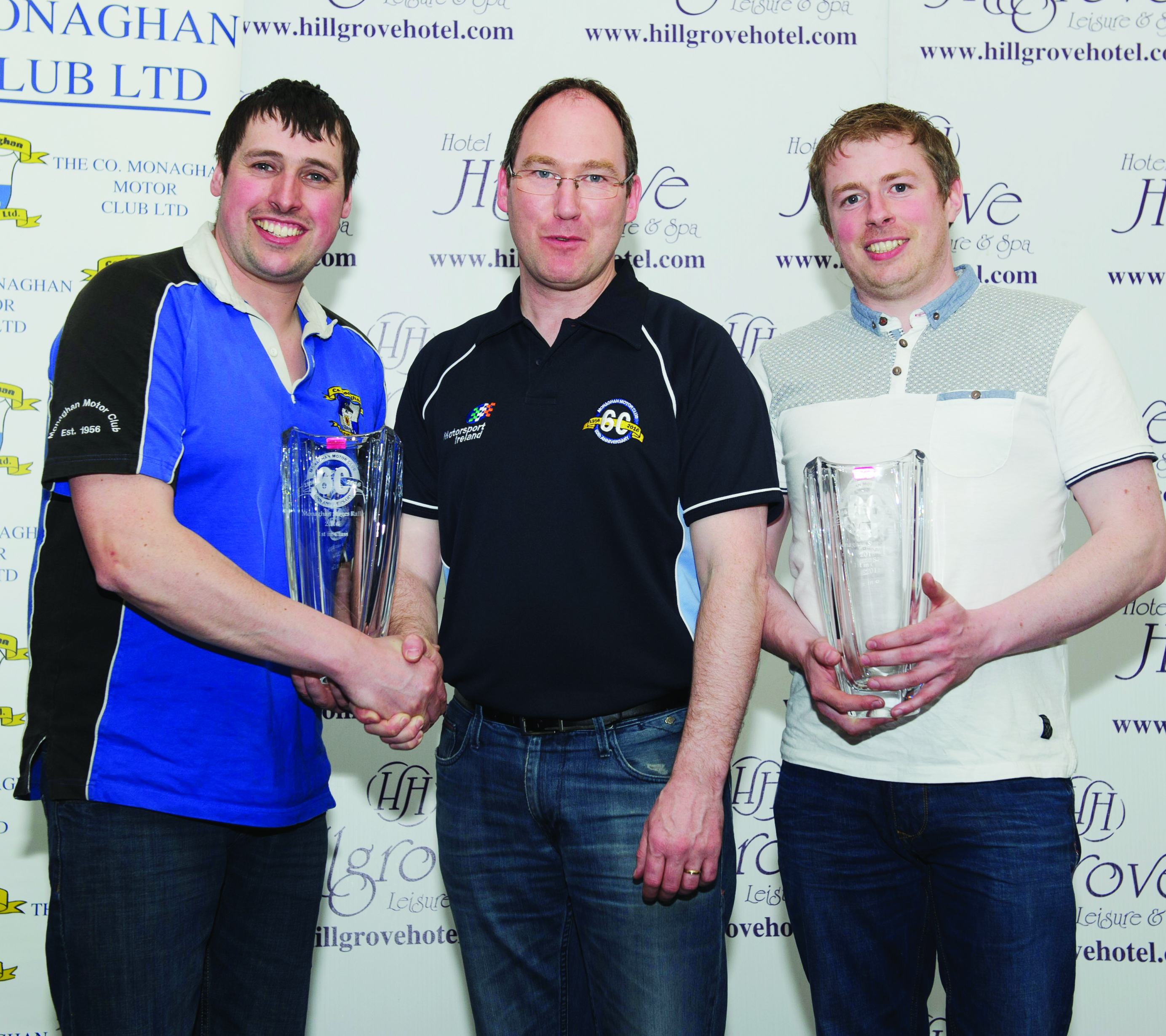 Conor Maguire, centre, making the presentation for winning Class 15 to Martin Tynan, left and Declan Tynan. ©Rory Geary/The Northern Standard