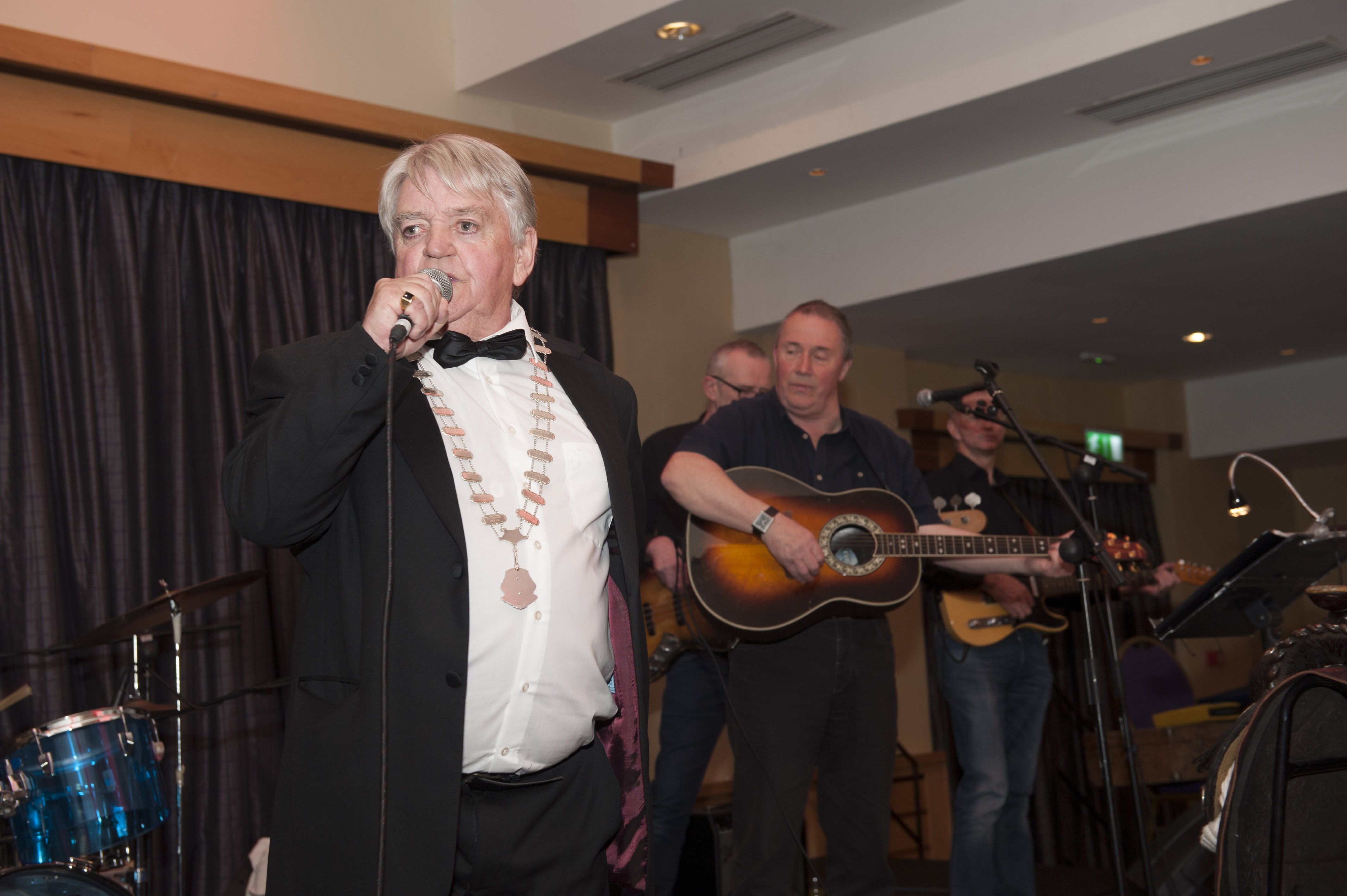President of Monaghan Rotary Club, Pat Deery, singing at Pat The President's Country Music & Western Night for the club. ©Rory Geary/The Northern Standard